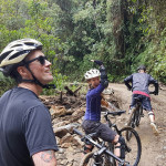 stop-during-down-hill-mountain-bike-tour